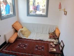 sahara woonkamer in museum perron oost